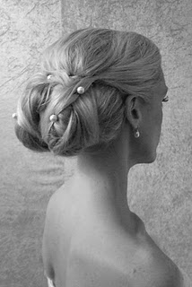 Brudens hårupstättning innan bröllopet