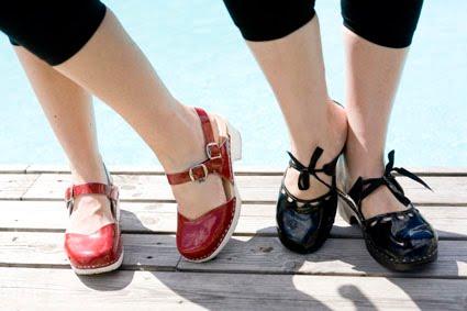 Lina och Lindas skor.